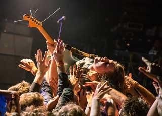 el-rey-crowd-shot.jpg